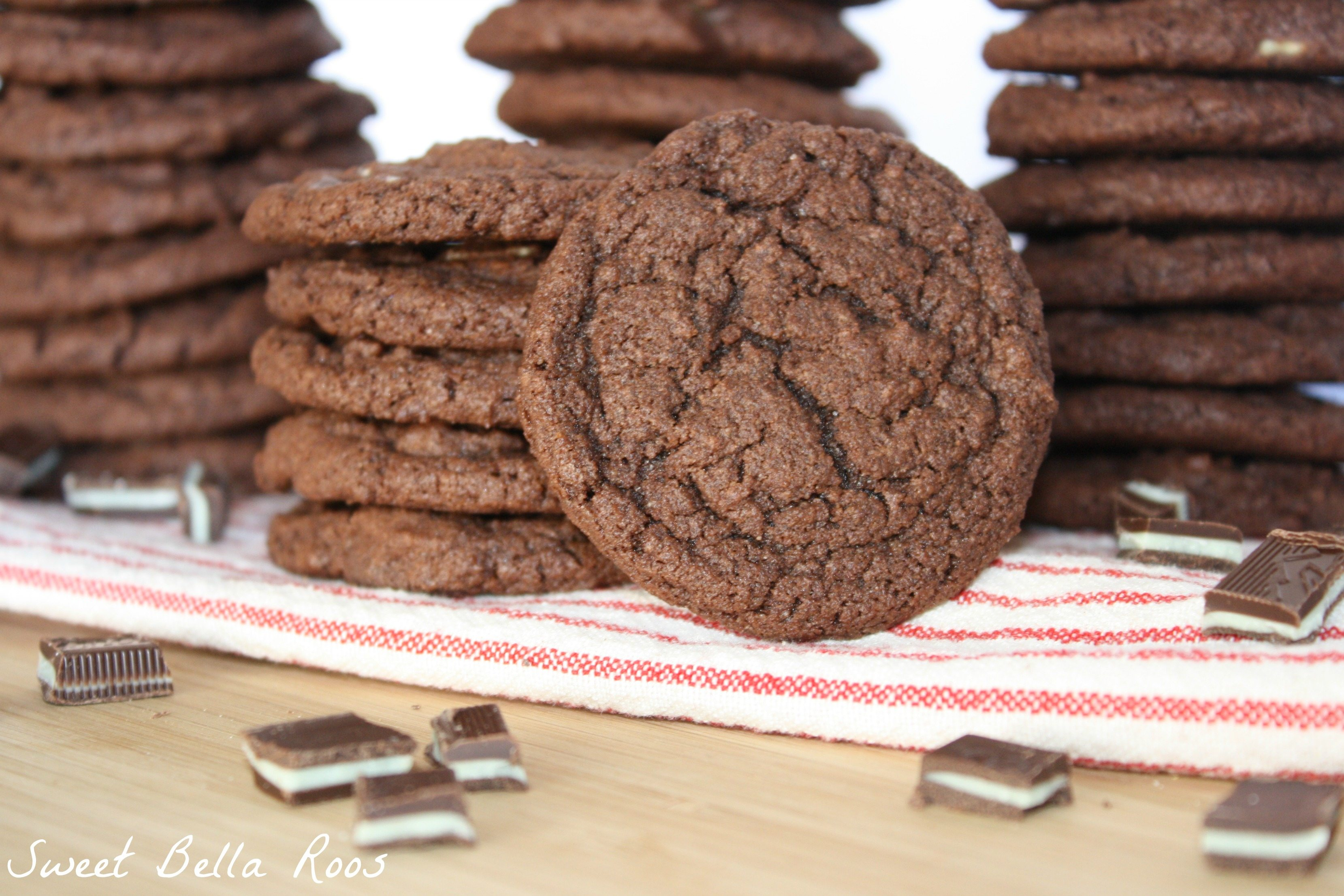 Triple Chocolate Mint Pudding Cookies www.sweetbellaroos.com #chocolate #mint #cookies