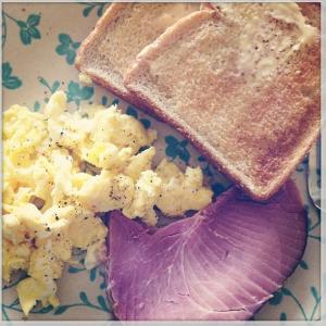 Cheesy Ham & Potatoes Casserole- perfect for leftover ham! sweetbellaroos.com #recipes