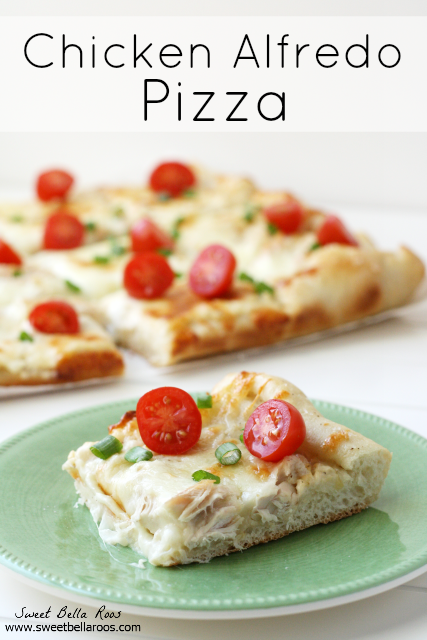 Chicken Alfredo Pizza- delicious and ridiculously easy to make! Great meal for a busy weeknight #recipe
