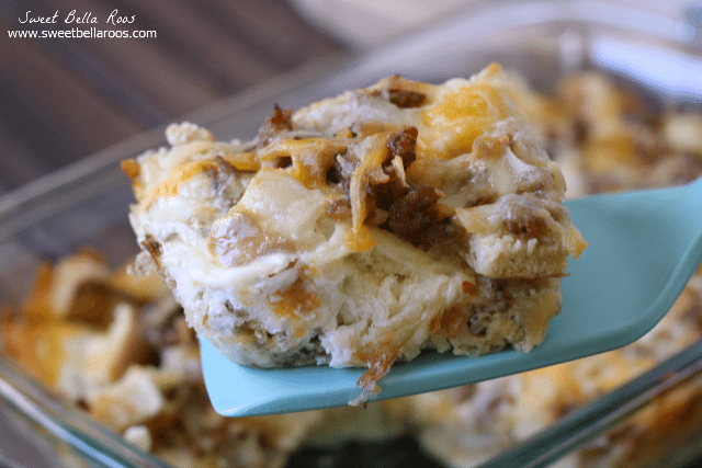 This Overnight Breakfast Sandwich Casserole tastes just like a sausage biscuit breakfast sandwich- but in an easy to make casserole!
