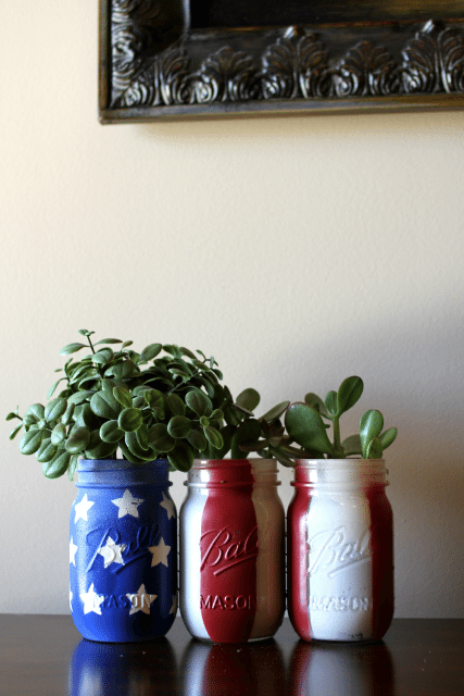 DIY American Planters using mason jars- perfect for 4th of July!
