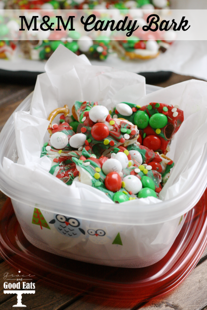 M&M Pretzel Candy Bark- so yummy, and perfectly giftable for the holidays