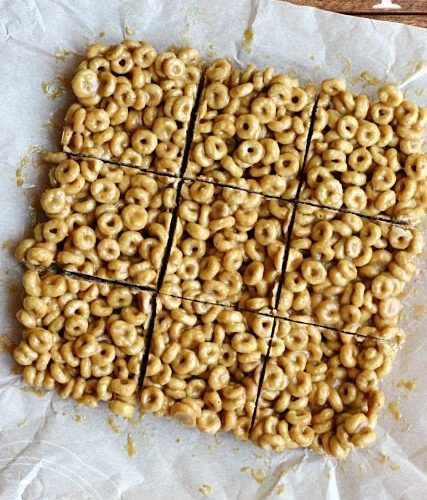 3 Ingredient Peanut Butter Cereal Bars
