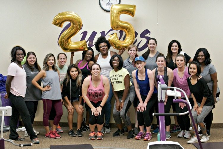 women working out at curves