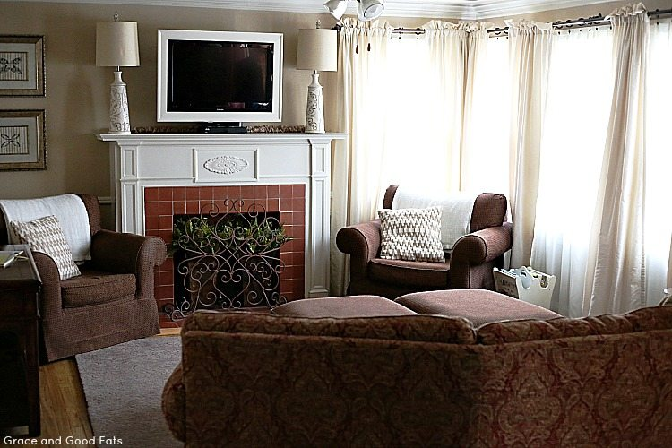 Cottage Guest Home Living Room