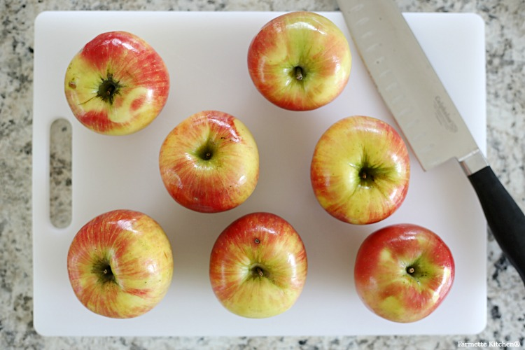 honeycrisp apples on a cutting board