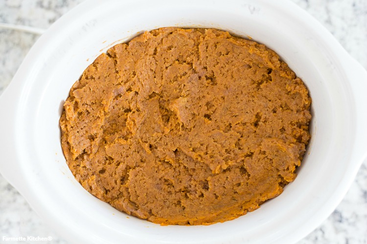 pumpkin dump cake in a slow cooker