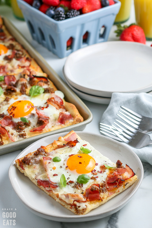 breakfast pizza on a plate